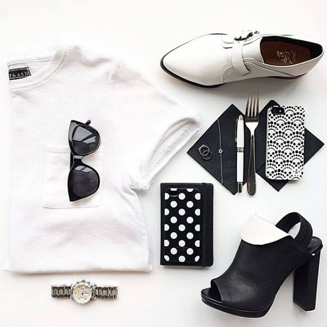 Monochrome travel outfit