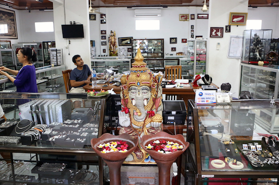 jewelry shop in bali