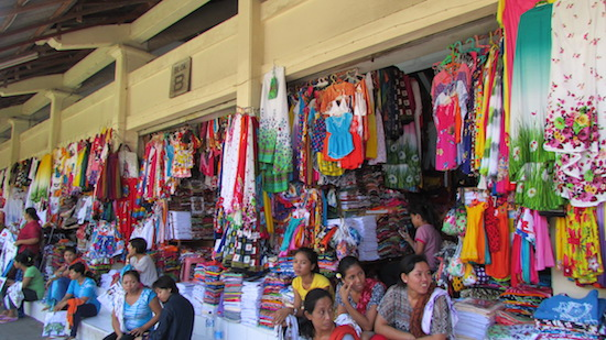 sukawati art market for souvenirs