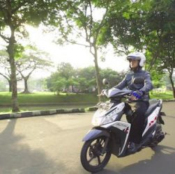 bali scooter rental always wear a helmet riding scooter in bali